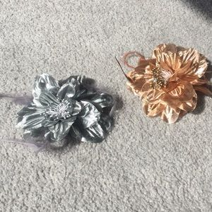 2 Pack Flower Hair Ties/ Hair Clips